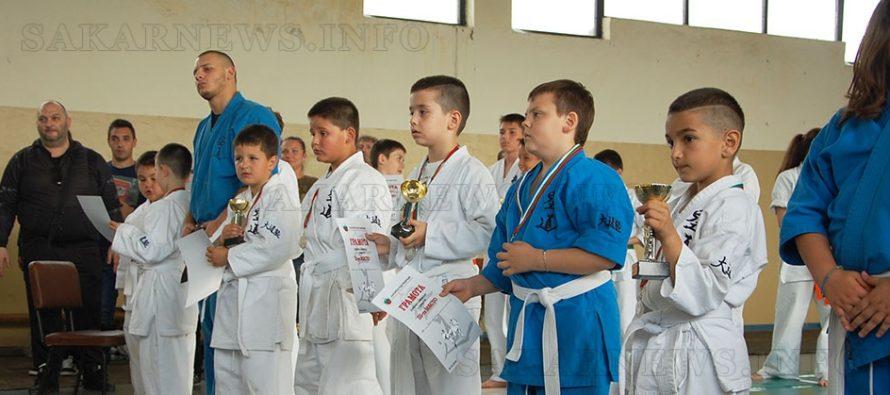 Държавен кудо-шампионат събра млади бойци от цялата страна