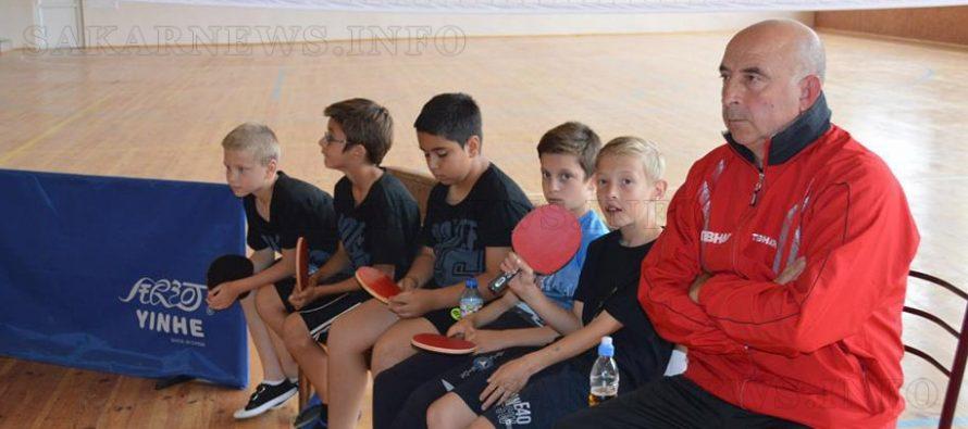 Тенис и през лятото с Иван Чинтов
