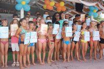 Деца станаха добри плувци след курс
