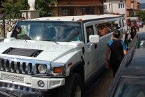 Огромен Хамър вози 11-годишната Марчела на рождения й ден