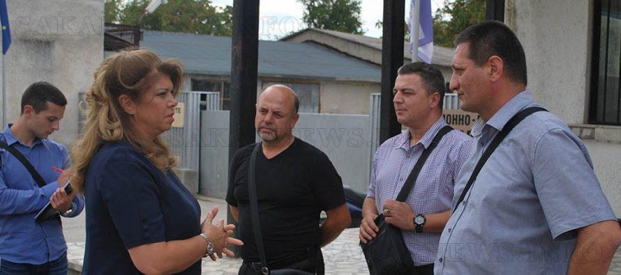 Илияна Йотова предизборно  заиграва с бежанците