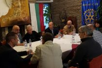 Французи-дарители дойдоха  в Града на Белоногата