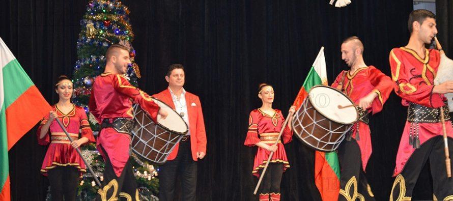 Николай Славеев пя на Коледния концерт в  Тополовград