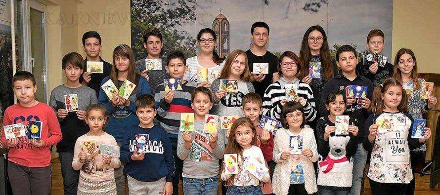 """Децата  от школа """"Вале"""" пожелаха с картички весели празници на Европарламента"""