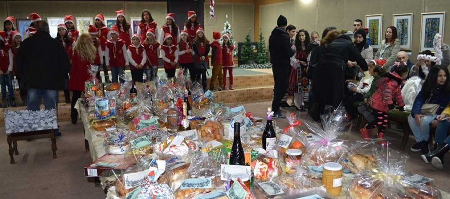 Благотворителен базар преди Коледа в Тополовград