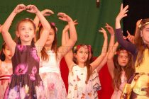 Пъстър пролетен концерт повдигна духа и настроението на хората