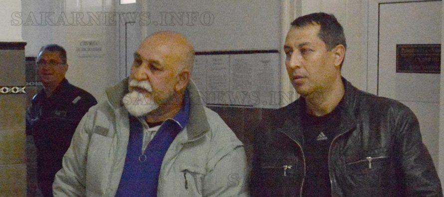 Оставиха в ареста двама, обвинени в телефонна измама