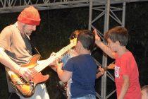 Saint Electrics събра рок фенове на открито
