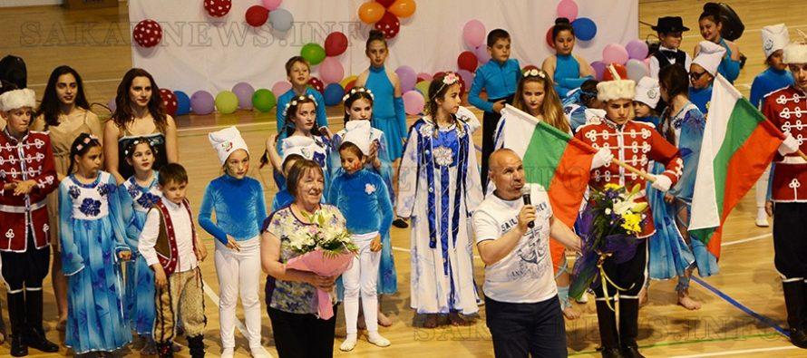 """""""Меджик"""" и """"Галаксико"""" представиха  спектакъл за Деня на българския спорт"""