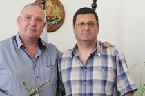 """Кметът на Любимец получи почетен знак от  Клуб на летците """"Капитан Димитър Списаревски"""""""