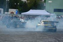 Стънт и дрифт шоу подпали  гумите на няколко автомобила