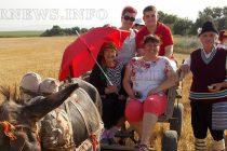 С тържество самодейци и депутати дадоха старт на жътвата в село Сива река
