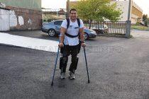Георги Киряков проходи с помощта на специален костюм