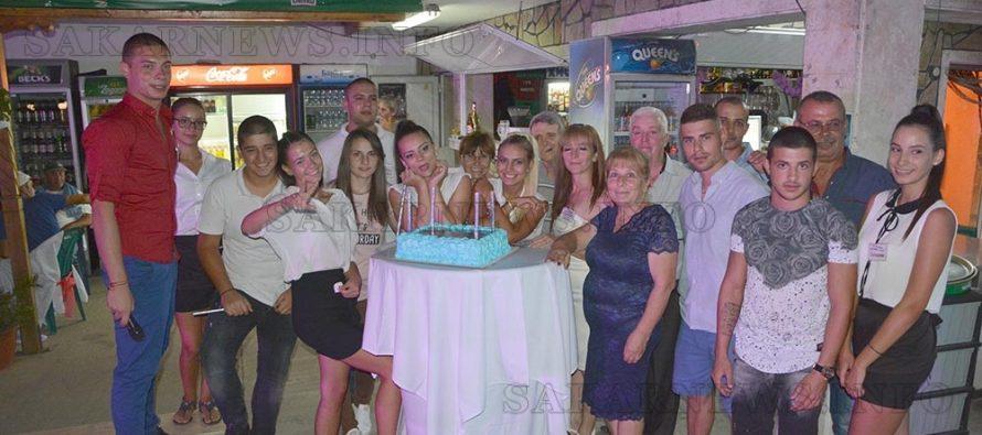 """Басейн """"Рай"""" отпразнува 15-та си годишнина"""