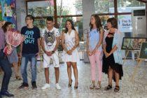 Млади художници представиха свои картини на изложба