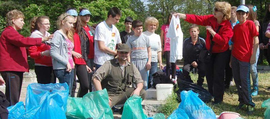 Днес отново съвестните чистят България