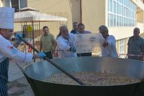 Шеф Илиев сготви юнашка гозба за 1000 в центъра на Ивайловград