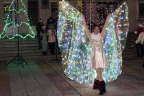 С огнено шоу започнаха коледните празници в Тополовград