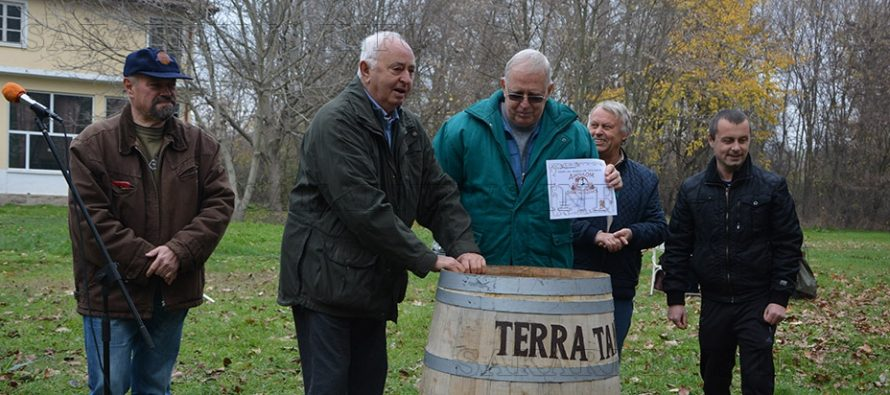 Пловдивчанин взе наградата за най-добро домашно вино в Харманли