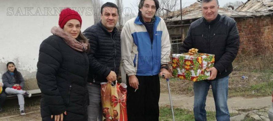 От ГЕРБ – Свиленград дариха продукти за Коледна трапеза