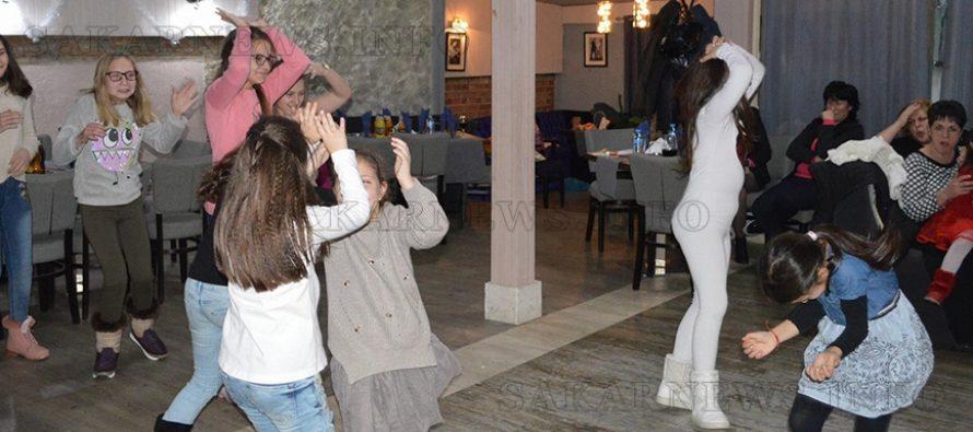 """""""Сладкодумци"""" радваха родители и гости"""