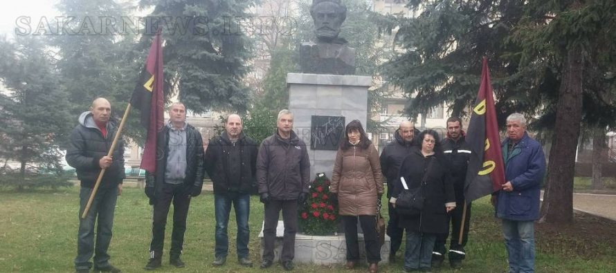 ВМРО – Харманли поднесоха венци пред паметника на Ботев