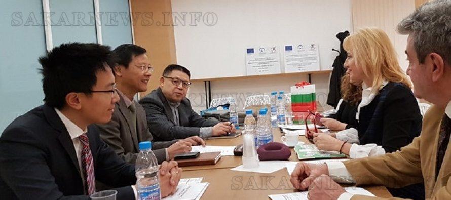 Китайци канят български фирми на първото изложение за вносни стоки