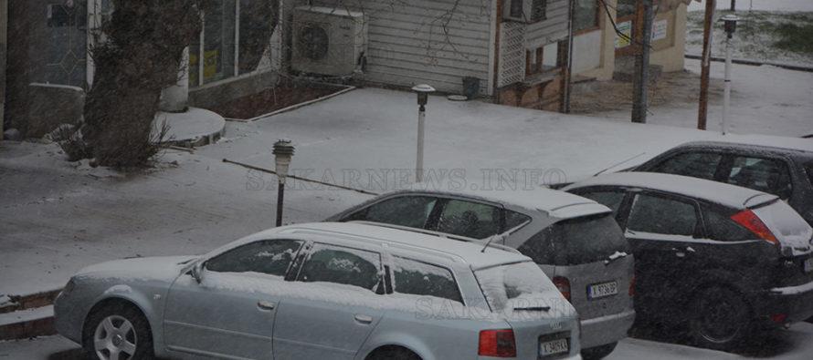 Заради снегонавявания затвориха за камиони пътя Харманли – Тополовград