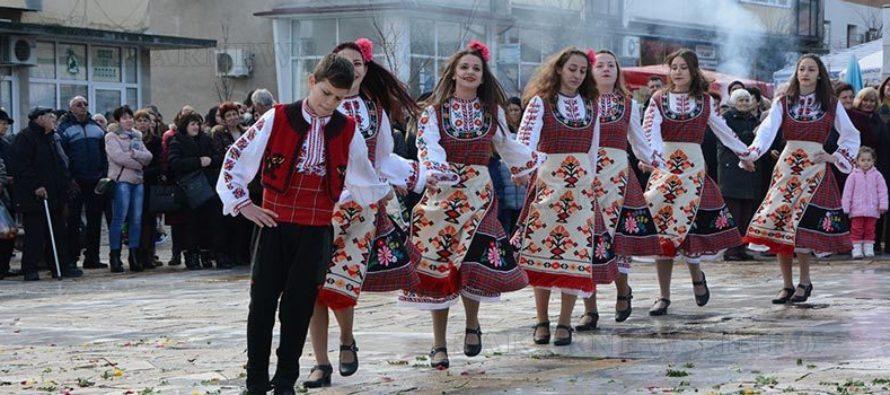 Празникът на Ивайловград  завърши с много хора и веселия