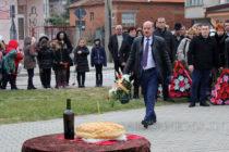 На поклонението в Свиленград  участва и депутатът Никола Динков