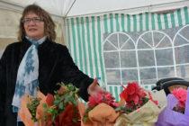 Цветни алеи предложиха разнообразие от цветя на клиентите за 8 март