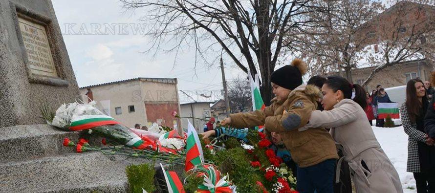 С националния химн, изпълнен от хористи, започна тържеството на Трети март в Харманли