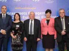 Кметове от ГЕРБ благодариха  на лидера на ЕНП в Европа