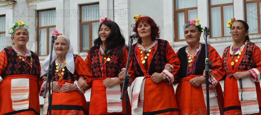 Фолклорни ритми и Великденски базар на Лазаровден в Харманли