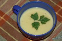 Крем-супа с тиквички и сметана