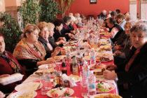 Хората в неравностойно положение от  Любимец получиха обяд за празника