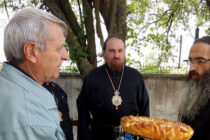 Владика Йеротей служи в храма на село Радовец