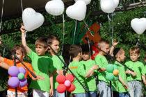 Интервал от час раздели малчугани на две събития в Града на Белоногата