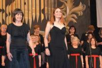 Гръцки певици зарадваха публиката с българска народна песен