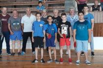 Деца, младежи и ветерани участваха  в турнир по тенис на маса