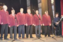Мъжкият хор се върна от фестивал в Чепеларе с награди