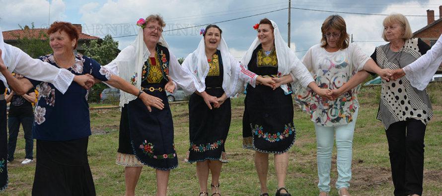 Потомци на село Черепово празнуваха на Света Неделя