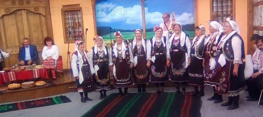 Самодейци от село Доситеево  гостуваха на Галя Асенова в СКАТ