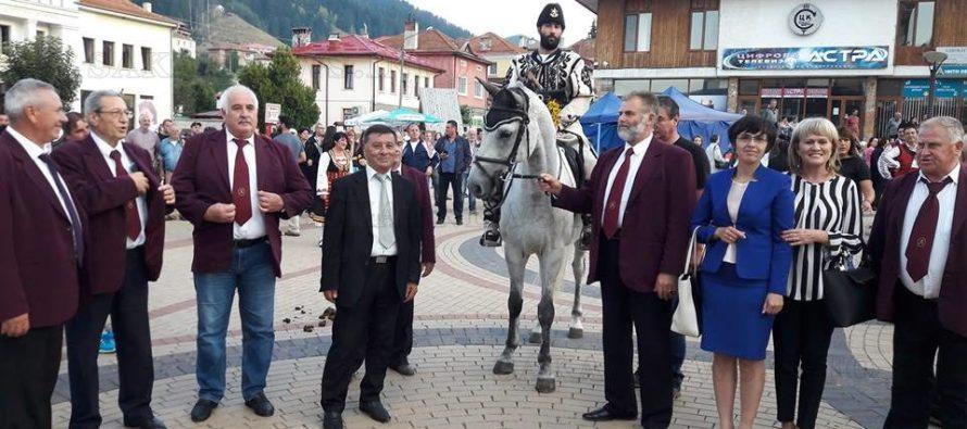 Тополовградски певци пяха на хайдушки празници в Чепеларе
