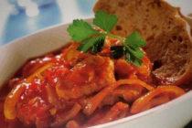 Месо в доматен сос на тиган