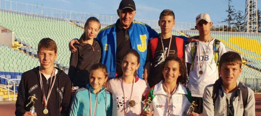 Успехите на спортисти от атлетическата лига се множат
