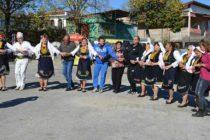 Народен оркестър и самодейци веселиха събралите се на събора в с. Българска поляна