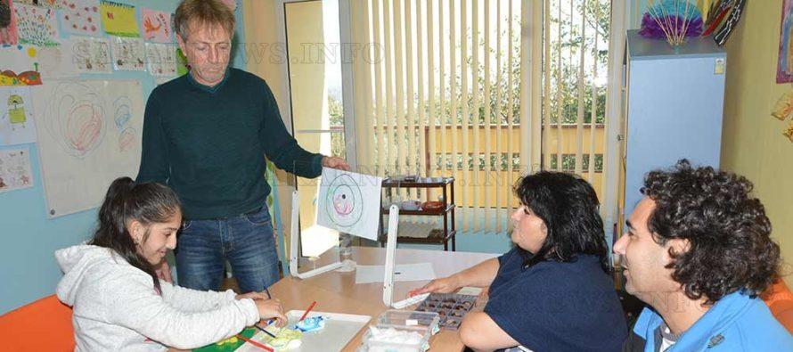 Специалисти  обучават педагози за терапевти