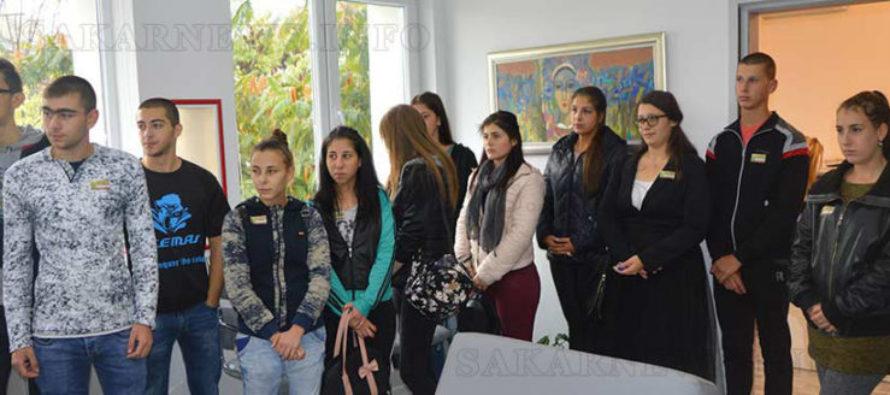 Ученици се запознаха с управлението на общините
