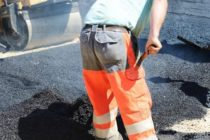 Севлиевски фирми ремонтират улици в Тополовград